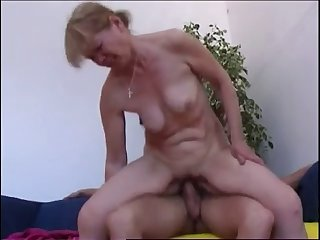 Mommy with flabby saggy tits & guy