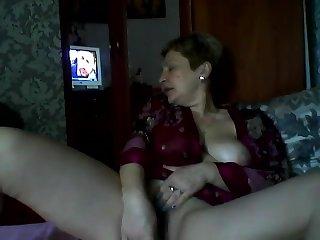 Hot Russian mature mom Elena play on skype