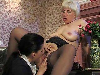 penny & laura 04