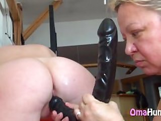 Tight old pussy cumming